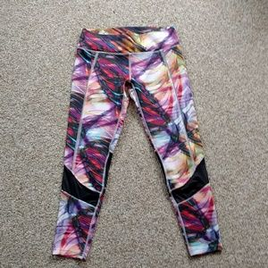 Saucony electrifying tie dye workout capris XS
